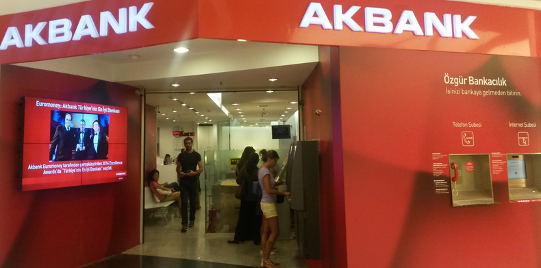 Akbank Digital Signage Projesi
